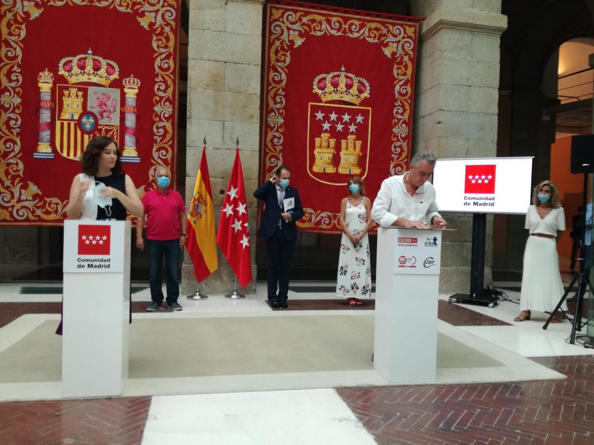 Firma del acuerdo que regula el teletrabajo para empleados y empleadas públicas de la Comunidad de Madrid